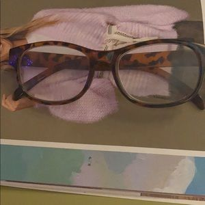 Betsy Johnson 2.50 readers. In great condition.